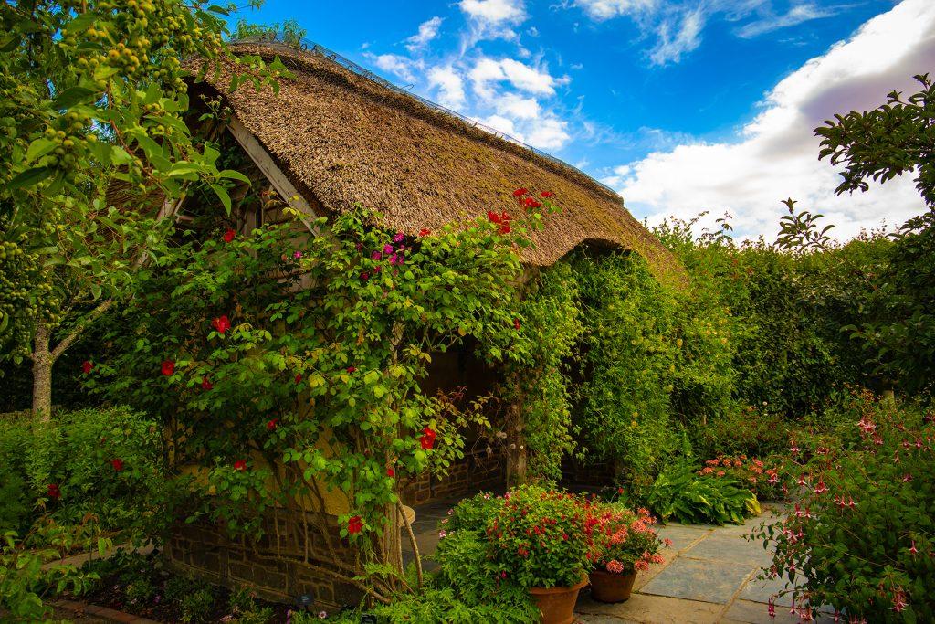 Garden cottage house