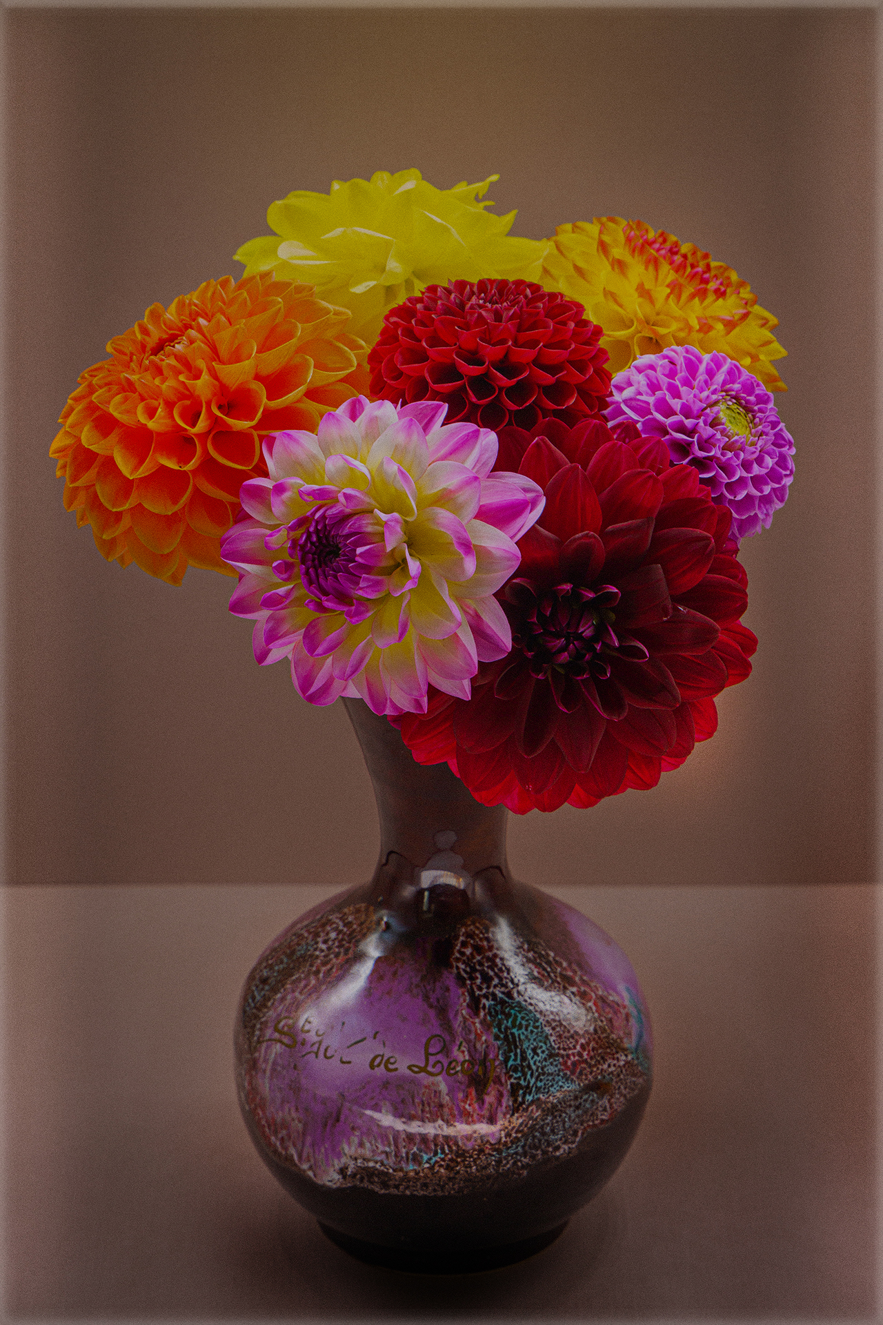 grainy flower vase – Copy